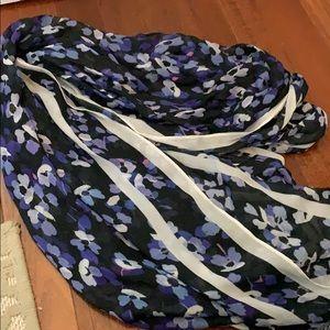 Kate spade hydrangea oblong scarf